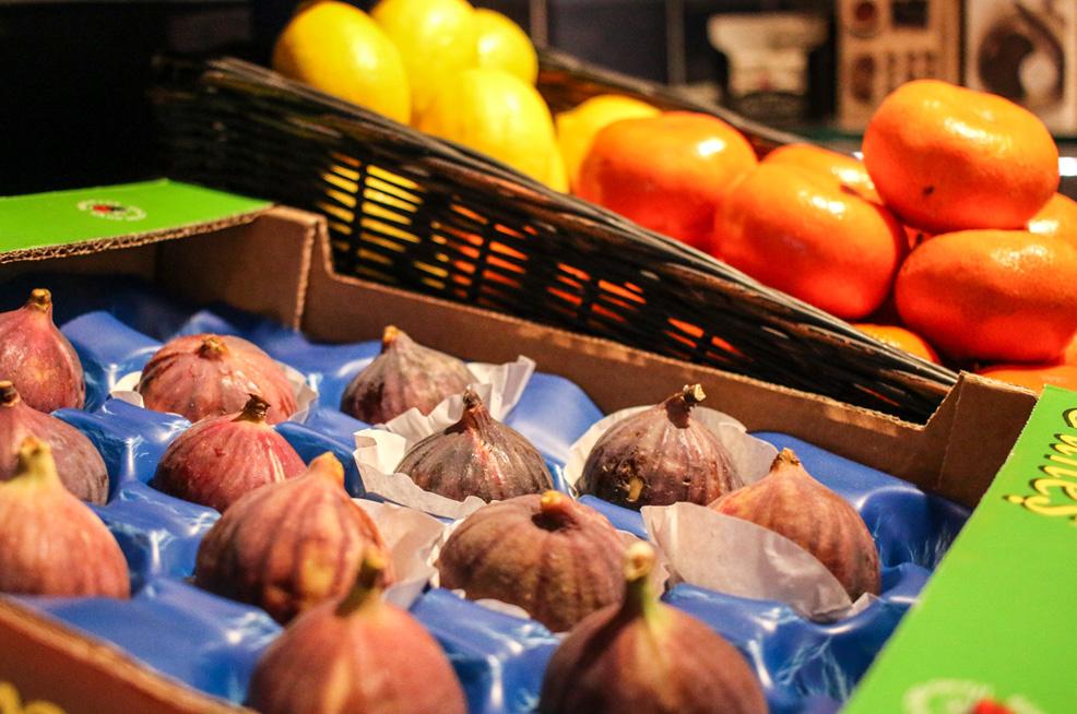 Figs, mandarins & lemons